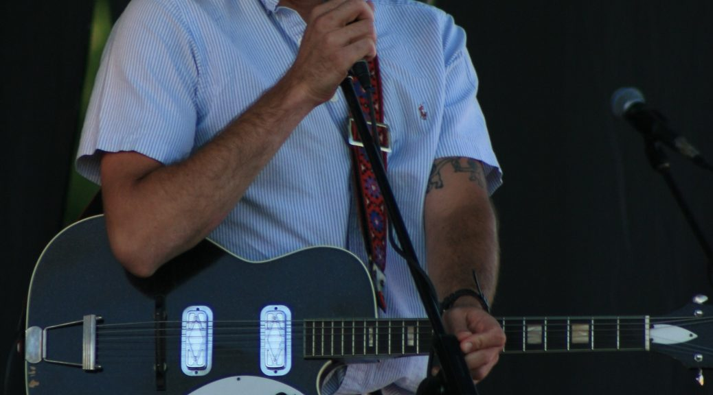 10 Penyanyi-Penulis Lagu Toronto Yang Perlu Anda Dengar