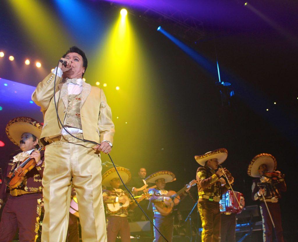 Sorotan Pada Penyanyi Terkenal Meksiko Juan Gabriel